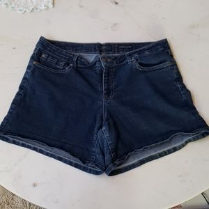 Jessica Simpson Forever low rise denim shorts 32